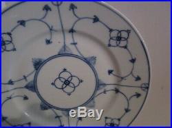 11 JAGER Blau Saks 9.25 Luncheon Plates Blue & White Straw Flowers