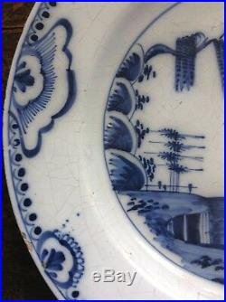 30 cm English or Delftfield Glasgow 18th c blue and white delft Landscape Plate