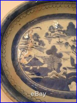 ANTIQUE EARLY CHINESE CANTON EXPORT BLUE & WHITE PLATE DISH PLATTER 19th CENTURY