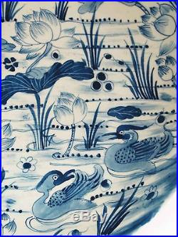 A Chinese Beautiful Blue & White Porcelain Round Plate Lotus with Mandarin duck