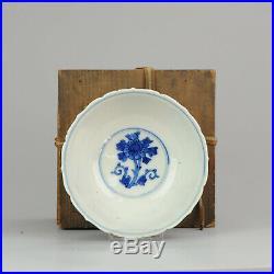 Antique 17/18th century Japanese Porcelain Bowl Blue and white Arita