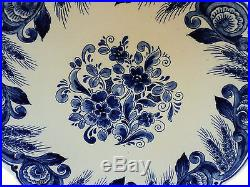 Beautiful 9.5 Delft Blue & White Floral Cabinet Plate, Signed