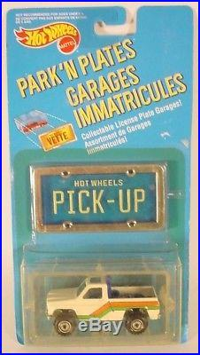 Hot Wheels Park-N-Plates White Bywayman Pickup-Blue Bed