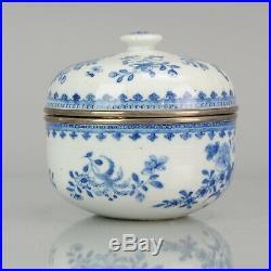 Large Ca 1700 Chinese Kangxi period lidded Jar Blue & White Porcelain Antique