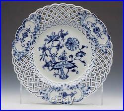 Six Antique Meissen Blue & White Onion Pattern Pierced Plates 19th C