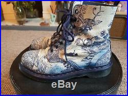 Willow pattern Dr Martens size 5, rare, china plate, Pascal, blue, white